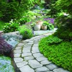 Как правильно производится укладка садовых дорожек