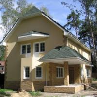 kak-proizvoditsja-dekorativnaja-oblicovka-doma