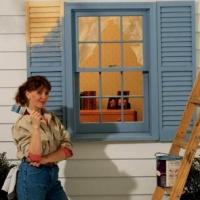 kak-krasit-derevjannye-okna