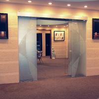 kak-vybrat-steklyannye-razdvizhnye-dveri-1